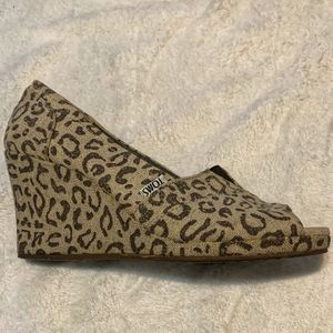 Cheetah Print Toms Wedges Sz 8.5